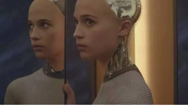 FOX新剧,细思极恐,招惹了AI,被全世界针对,一集就上瘾