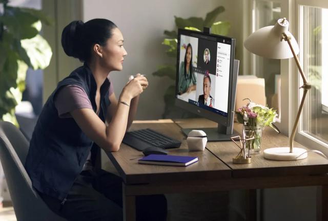 """探索""""一台显示器""""在改善员工体验方面的作用"""