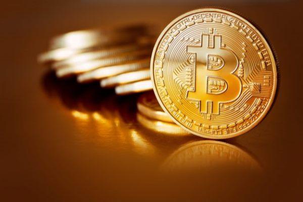 达利欧:比特币再这样涨下去 政府可能会出手禁止加密货币