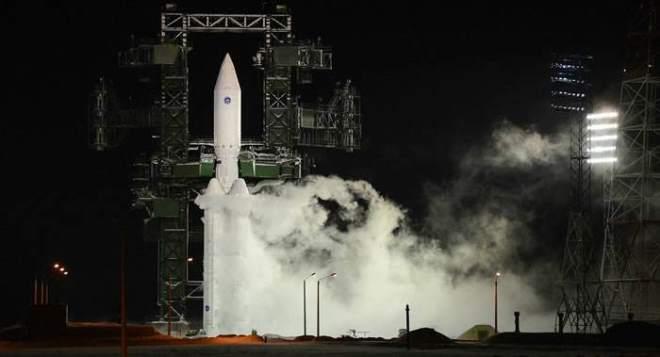 """俄再次试射""""安加拉-A5""""重型运载火箭"""