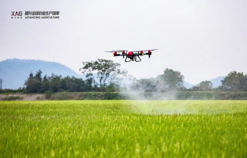 农业无人机智能标杆:极飞 P40 2021款农业无人机,简单智能,灵活高效