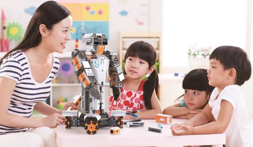鲸鱼机器人完成5000万Pre-B融资,成为青少年AI教育领域准独角兽