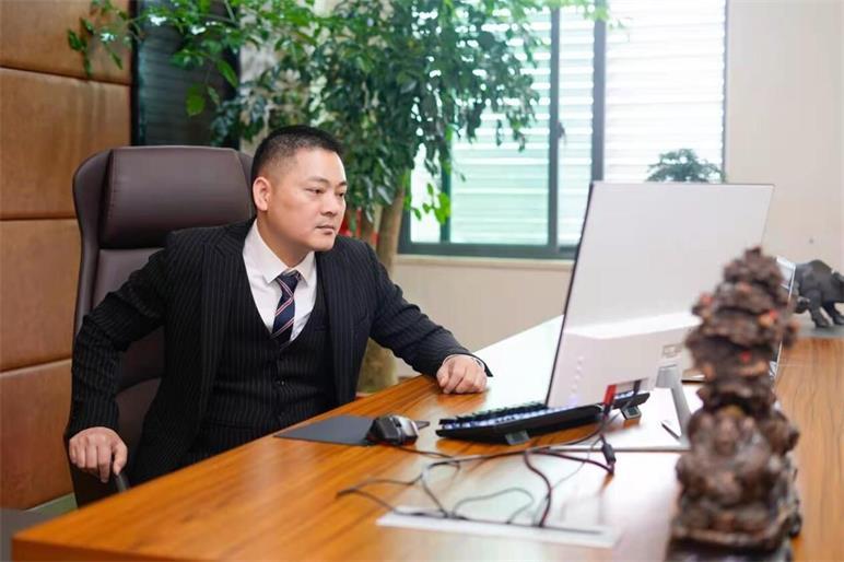 福州王子儒 从餐厅打工人到新零售教父,王子儒的励志奋斗史