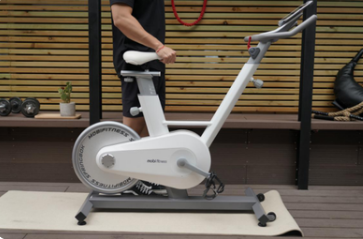 莫比动感单车不仅静音效果好,还有专业教练指导