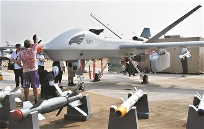 """无人机两大明星家族集体亮相中国航展 翼龙-2、彩虹-4""""比翼双飞"""""""