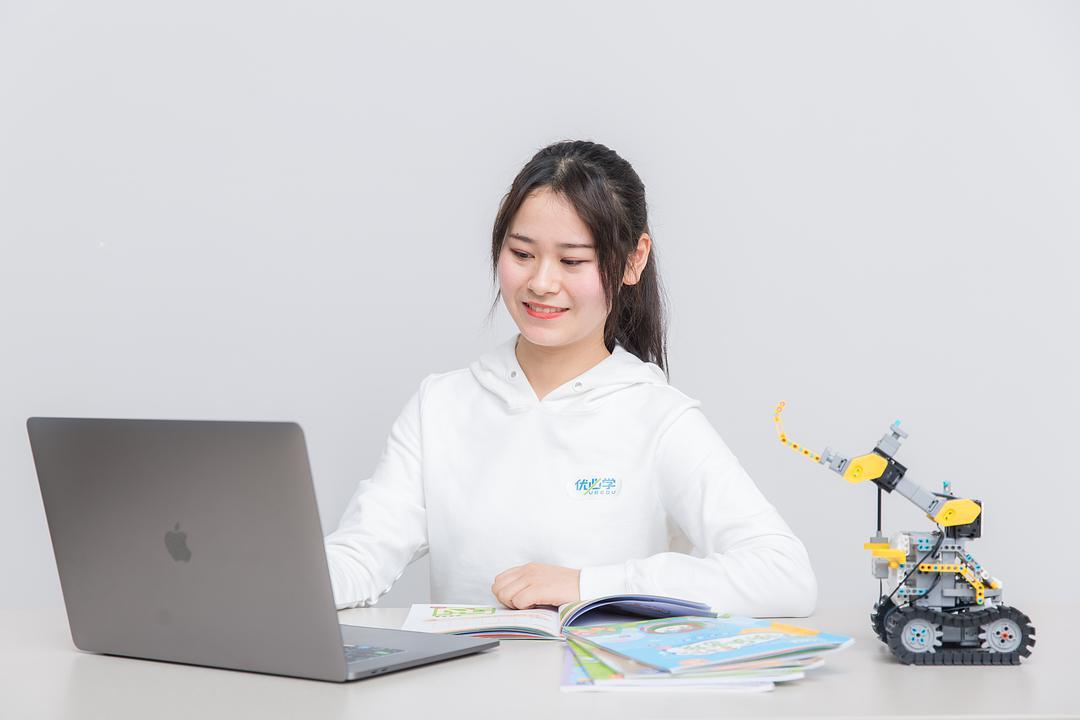 青少年人工智能教育(全国青少年人工智能)