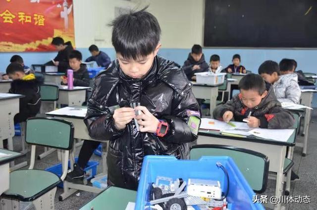 青少年人工智能水平测试(青少年机器人技术等级考试有用吗)