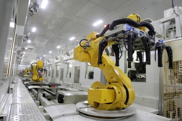 比亚迪人工智能机器人(全球最先进的智能机器人)
